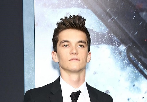 Fionn Whitehead net worth