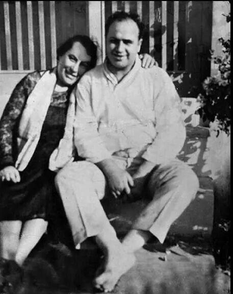 Al-Capone and his mother Teressa