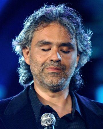 Bocelli at live