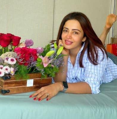 Neha Pendse profile