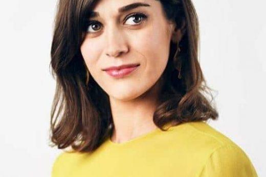 Lizzy Caplan profile